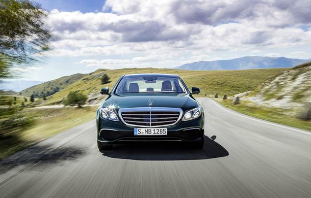 Vânzări premium în ianuarie 2018: Mercedes domină autoritar, Audi învinge BMW pentru numai 700 de unități - Poza 1