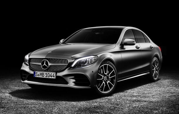 Găsiți diferențele: actualizare subtilă estetică și tehnologică pentru Mercedes-Benz Clasa C - Poza 1