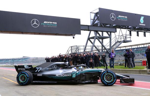 Mercedes a prezentat noul monopost pentru sezonul 2018: Hamilton, convins că va semna noul contract în martie - Poza 4