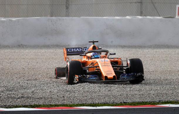 McLaren a început cu stângul testele de la Barcelona: Alonso a pierdut un pneu după numai 6 tururi - Poza 1