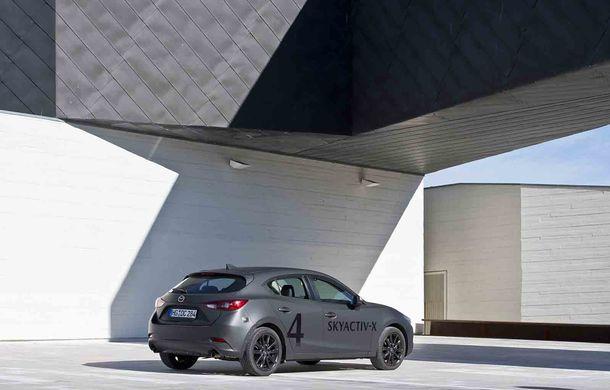 Am condus prototipul viitorului Mazda 3: povestea Skyactiv-X, motorul pe benzină cu consum de diesel - Poza 23