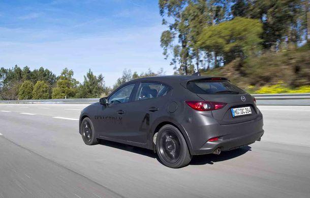 Am condus prototipul viitorului Mazda 3: povestea Skyactiv-X, motorul pe benzină cu consum de diesel - Poza 12