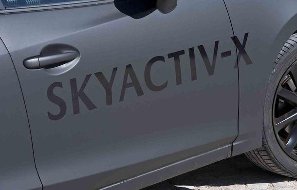Am condus prototipul viitorului Mazda 3: povestea Skyactiv-X, motorul pe benzină cu consum de diesel - Poza 27