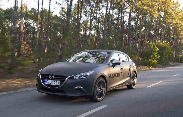 Am condus prototipul viitorului Mazda 3: povestea Skyactiv-X, motorul pe benzină cu consum de diesel - Poza 2