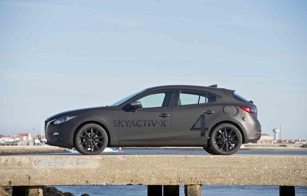 Am condus prototipul viitorului Mazda 3: povestea Skyactiv-X, motorul pe benzină cu consum de diesel - Poza 19