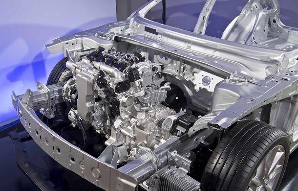Am condus prototipul viitorului Mazda 3: povestea Skyactiv-X, motorul pe benzină cu consum de diesel - Poza 30