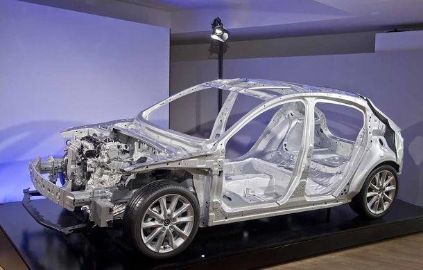 Am condus prototipul viitorului Mazda 3: povestea Skyactiv-X, motorul pe benzină cu consum de diesel - Poza 32