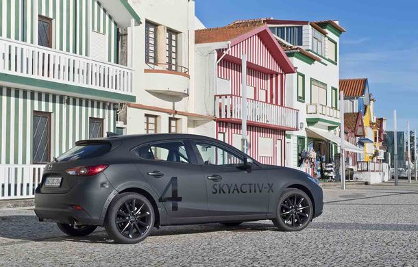 Am condus prototipul viitorului Mazda 3: povestea Skyactiv-X, motorul pe benzină cu consum de diesel - Poza 18