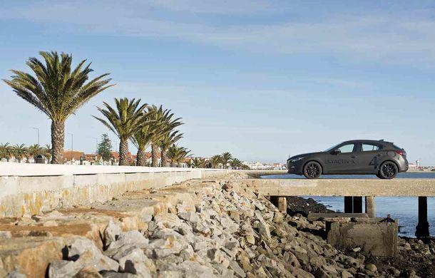 Am condus prototipul viitorului Mazda 3: povestea Skyactiv-X, motorul pe benzină cu consum de diesel - Poza 20