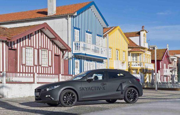 Am condus prototipul viitorului Mazda 3: povestea Skyactiv-X, motorul pe benzină cu consum de diesel - Poza 16
