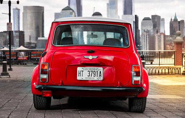 Arc peste timp: un Mini clasic a fost transformat într-un vehicul 100% electric - Poza 7