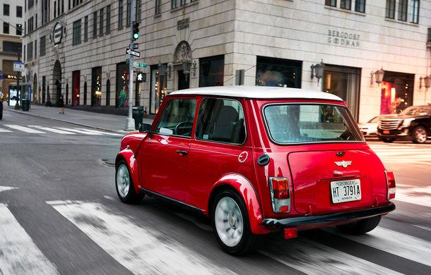 Arc peste timp: un Mini clasic a fost transformat într-un vehicul 100% electric - Poza 15