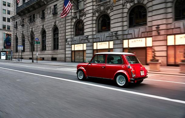 Arc peste timp: un Mini clasic a fost transformat într-un vehicul 100% electric - Poza 16