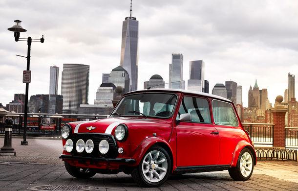 Arc peste timp: un Mini clasic a fost transformat într-un vehicul 100% electric - Poza 3
