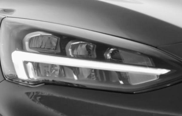 Noua generație Ford Focus se lansează în 10 aprilie: primul teaser arată blocurile optice și jantele - Poza 1
