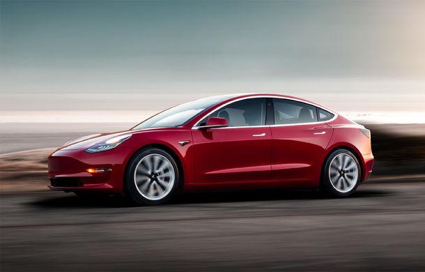 """Elon Musk susține că producția lui Model 3 a ajuns la 2.000 de unități pe săptămână: """"A fost foarte dificil, dar am reușit"""" - Poza 1"""