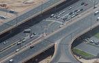 Dubai testează plăcuțe de înmatriculare digitale: amenzile vor fi plătite automat din conturile proprietarilor, iar aceștia vor fi urmăriți prin GPS