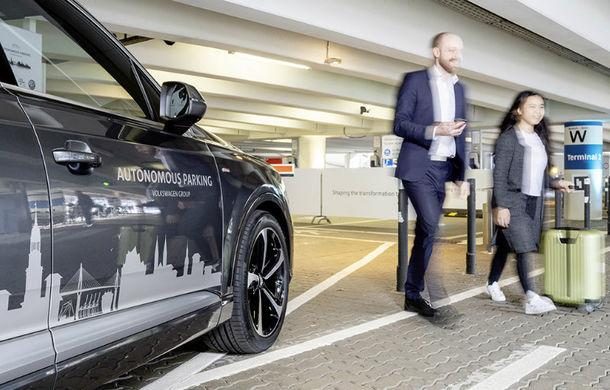 Grupul Volkswagen testează un sistem de parcare autonomă: tehnologia va debuta pe modelele de serie în 2020 - Poza 1