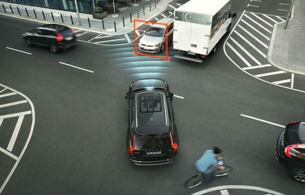 Volvo XC90, cea mai sigură mașină din Marea Britanie: niciun accident fatal în 16 ani după 50.000 de unități vândute - Poza 2