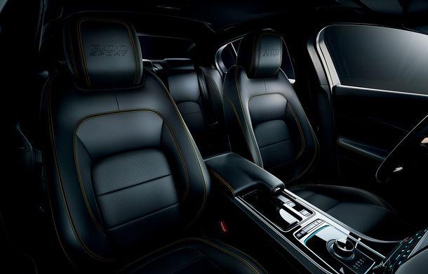 Jaguar introduce noile XE și XF 300 Sport: motor de 2.0 litri benzină cu 300 de cai putere - Poza 31