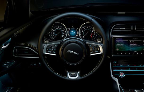 Jaguar introduce noile XE și XF 300 Sport: motor de 2.0 litri benzină cu 300 de cai putere - Poza 32