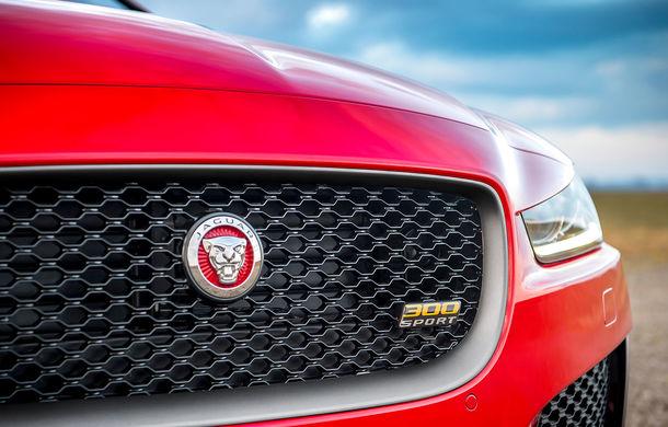 Jaguar introduce noile XE și XF 300 Sport: motor de 2.0 litri benzină cu 300 de cai putere - Poza 22