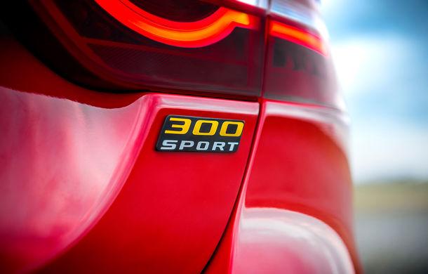 Jaguar introduce noile XE și XF 300 Sport: motor de 2.0 litri benzină cu 300 de cai putere - Poza 24