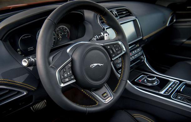 Jaguar introduce noile XE și XF 300 Sport: motor de 2.0 litri benzină cu 300 de cai putere - Poza 30