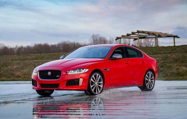 Jaguar introduce noile XE și XF 300 Sport: motor de 2.0 litri benzină cu 300 de cai putere - Poza 17