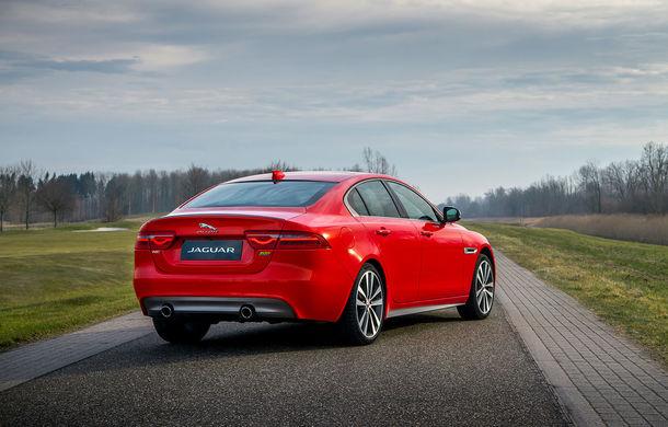 Jaguar introduce noile XE și XF 300 Sport: motor de 2.0 litri benzină cu 300 de cai putere - Poza 3