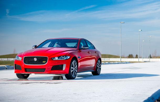 Jaguar introduce noile XE și XF 300 Sport: motor de 2.0 litri benzină cu 300 de cai putere - Poza 11