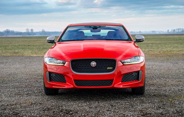 Jaguar introduce noile XE și XF 300 Sport: motor de 2.0 litri benzină cu 300 de cai putere - Poza 2