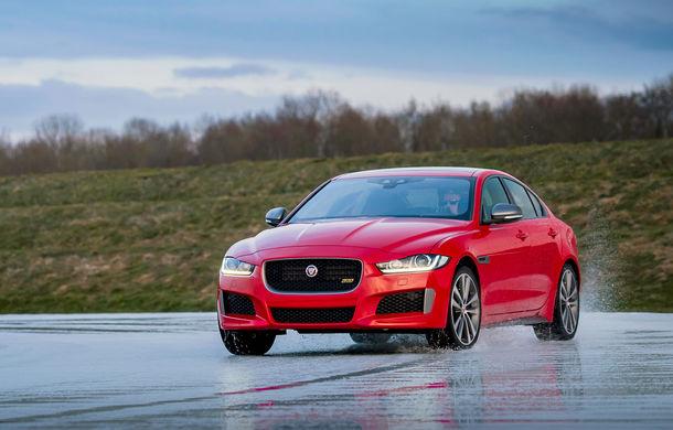 Jaguar introduce noile XE și XF 300 Sport: motor de 2.0 litri benzină cu 300 de cai putere - Poza 16