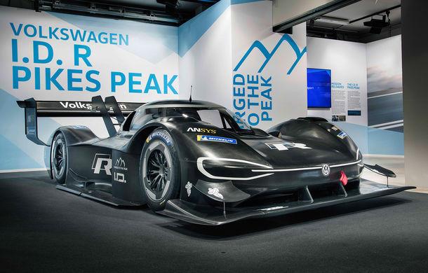 Volkswagen a prezentat ID R Pikes Peak: conceptul electric produce 680 CP și accelerează de la 0 la 100 km/h în 2.25 de secunde - Poza 1