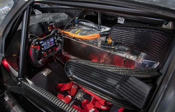 Volkswagen a prezentat ID R Pikes Peak: conceptul electric produce 680 CP și accelerează de la 0 la 100 km/h în 2.25 de secunde - Poza 4