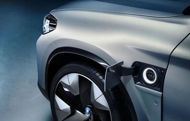 BMW iX3 Concept: 270 CP și autonomie de 400 de kilometri pentru SUV-ul electric care se va lansa în versiune de serie în 2020 - Poza 15