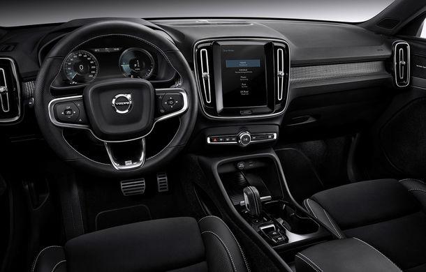 Volvo a lansat noul XC40 T5 Twin-Engine: SUV-ul hibrid pregătit de suedezi a fost expus la Beijing - Poza 13