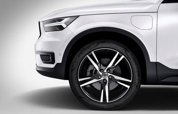 Volvo a lansat noul XC40 T5 Twin-Engine: SUV-ul hibrid pregătit de suedezi a fost expus la Beijing - Poza 9