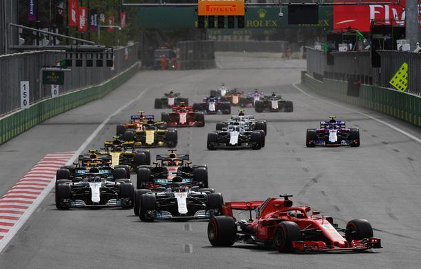 Spectacol la Baku: Hamilton câștigă în fața lui Raikkonen după o pană suferită de Bottas. Vettel pe locul 4, acroșaj între Verstappen și Ricciardo - Poza 2