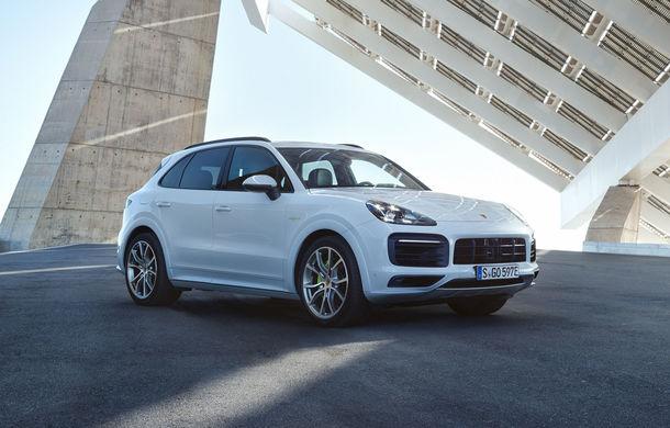 Porsche Cayenne E-Hybrid: SUV-ul plug-in hybrid are 462 CP și oferă o autonomie electrică de peste 40 de kilometri - Poza 2