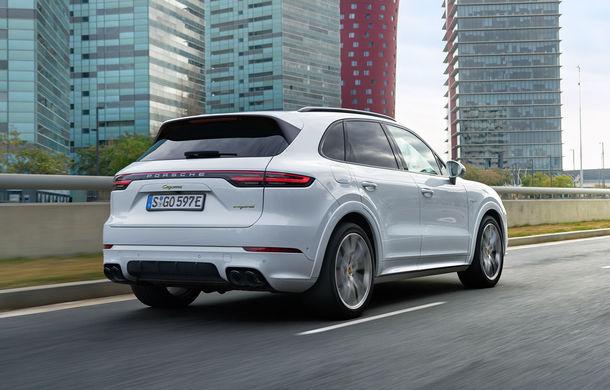 Porsche Cayenne E-Hybrid: SUV-ul plug-in hybrid are 462 CP și oferă o autonomie electrică de peste 40 de kilometri - Poza 6