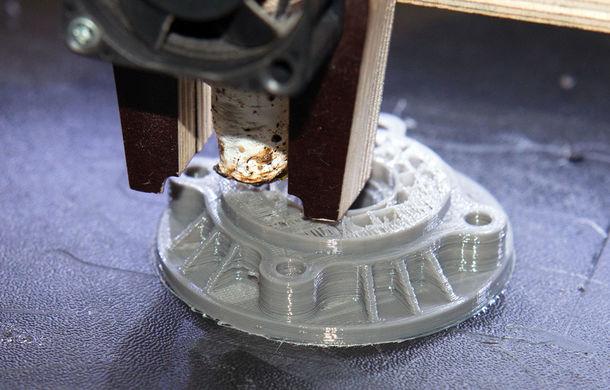 """Piesele auto imprimate 3D dau startul unei noi ere în producția auto: """"Sunt mai ușoare, mai rezistente și economisesc timp, materiale și bani"""" - Poza 1"""