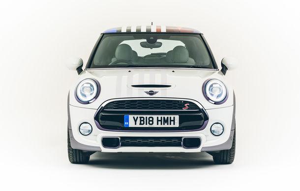 Un Mini regal: constructorul britanic a pregătit un Mini Hatch cu trei uși pentru a sărbători nunta prințului Harry - Poza 4
