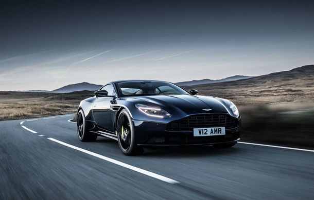 Noul Aston Martin DB11 AMR este aici: motor V12 twin-turbo de 5.2 litri, 640 de cai putere, 700 Nm și viteză maximă de 334 km/h - Poza 1