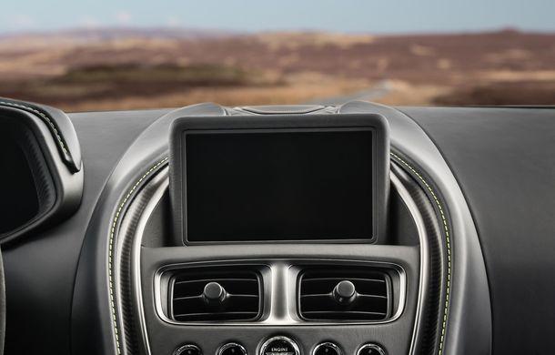 Noul Aston Martin DB11 AMR este aici: motor V12 twin-turbo de 5.2 litri, 640 de cai putere, 700 Nm și viteză maximă de 334 km/h - Poza 7