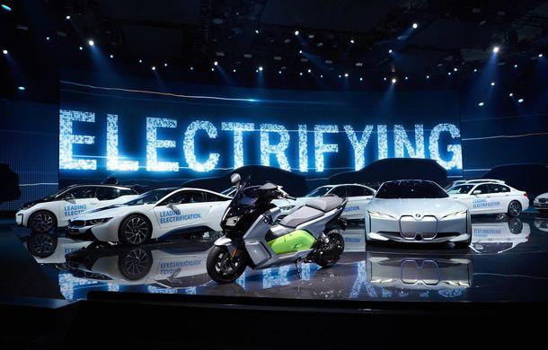 Electrificarea merge bine la BMW: grupul german a livrat peste 36.000 de hibrizi plug-in și mașini electrice în primele patru luni - Poza 1