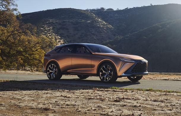Lexus a înregistrat numele LQ: acesta ar putea fi atribuit versiunii de serie a conceptului Lexus LF-1 Limitless - Poza 1