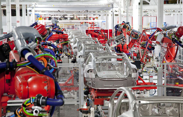 Tesla va întrerupe producția lui Model 3 pentru încă 6 zile: americanii speră să rezolve problemele tehnice de la uzină - Poza 1