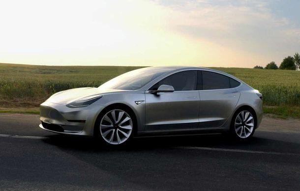 """Tesla Model 3, criticată de celebra revistă americană Consumer Reports: """"Model 3 frânează mai lent decât o camionetă!"""" - Poza 1"""
