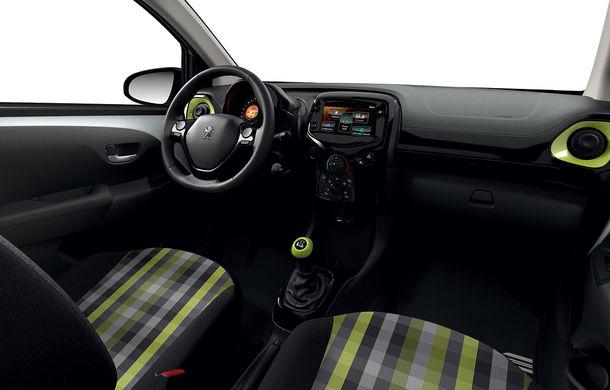Îmbunătățiri tehnologice pentru Peugeot 108: motor de 1.0 litri și 72 CP și sistem pentru recunoașterea semnelor de circulație - Poza 11